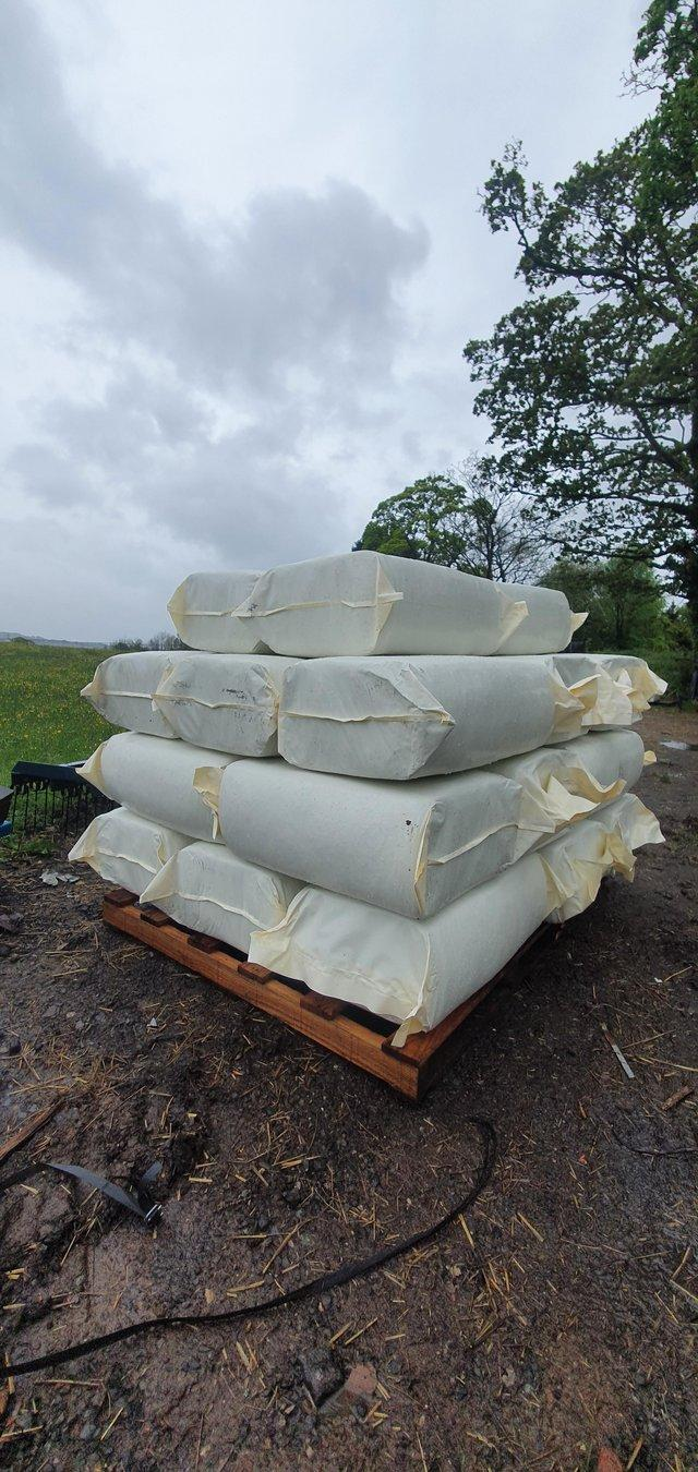 Preview of the first image of SMALL BALE HAYLAGE.