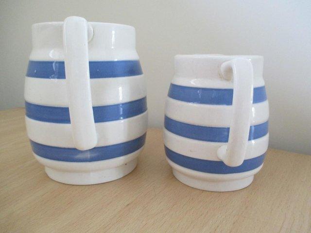 Image 2 of Pair of vintage milk / cream jugs