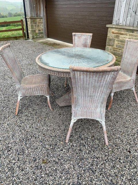 Preview of the first image of Wicker table&chairs.