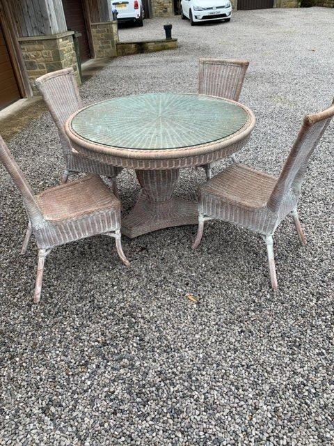 Image 2 of Wicker table&chairs