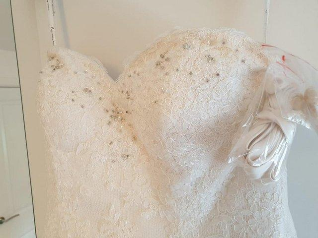 Preview of the first image of Sincerity Wedding Dress 3745.