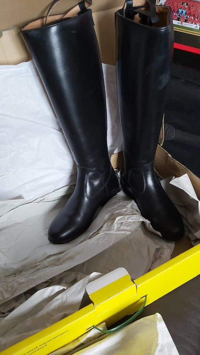 Image 2 of New Tuffa showtime leather boots size 5