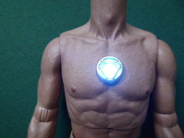 Preview of the first image of Hot Toys MMS209 Iron Man Figure Body - Chest Light Feature.