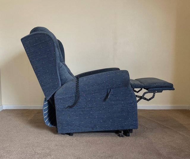 """Image 15 of LUXURY ELECTRIC RISER RECLINER CHAIR 22"""" WIDE CAN DELIVER"""