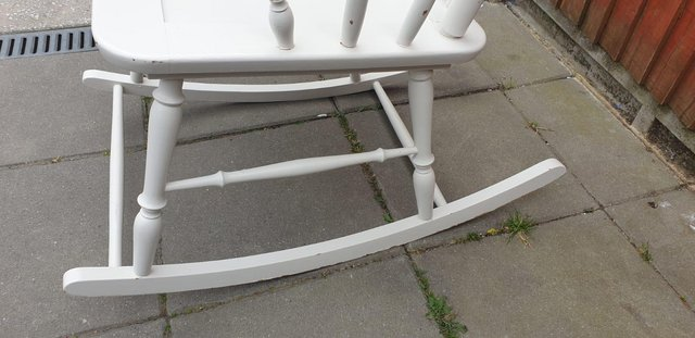 Image 4 of Vintage ercol type Rocking armchair