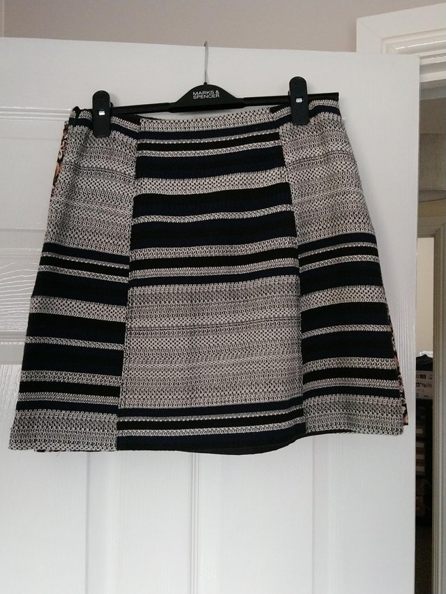 Preview of the first image of Mini skirt Black and Blue from Matalan size 10.