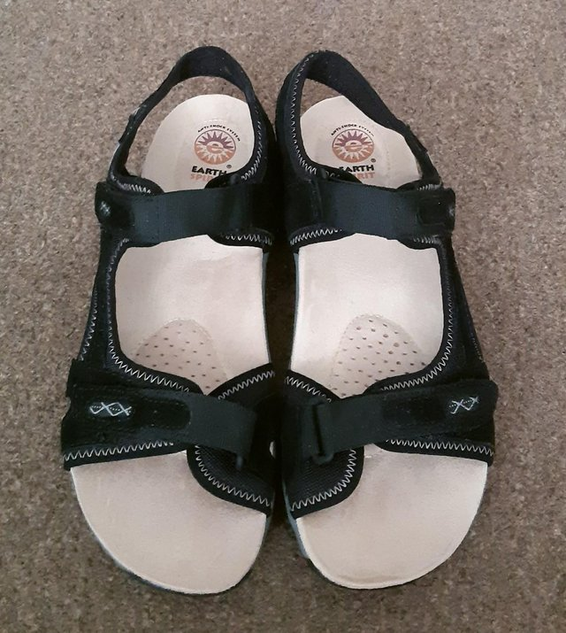 """Image 2 of Womens New Earth Spirit """"Frisco"""" Black Sandals - Size 9"""
