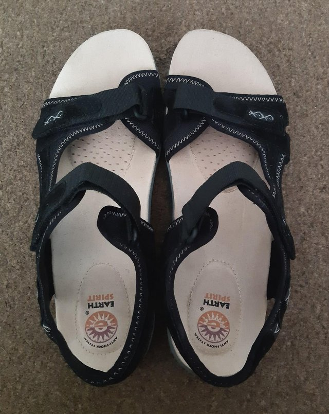 """Image 3 of Womens New Earth Spirit """"Frisco"""" Black Sandals - Size 9"""