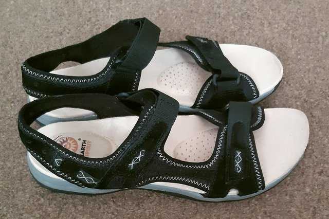 """Image 5 of Womens New Earth Spirit """"Frisco"""" Black Sandals - Size 9"""