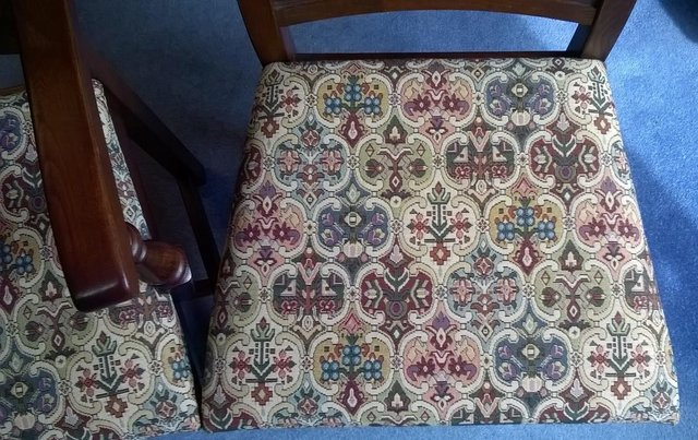 Image 2 of 8 OLD CHARM WARWICK DINING CHAIRS incl 2 CARVERS SOLID OAK