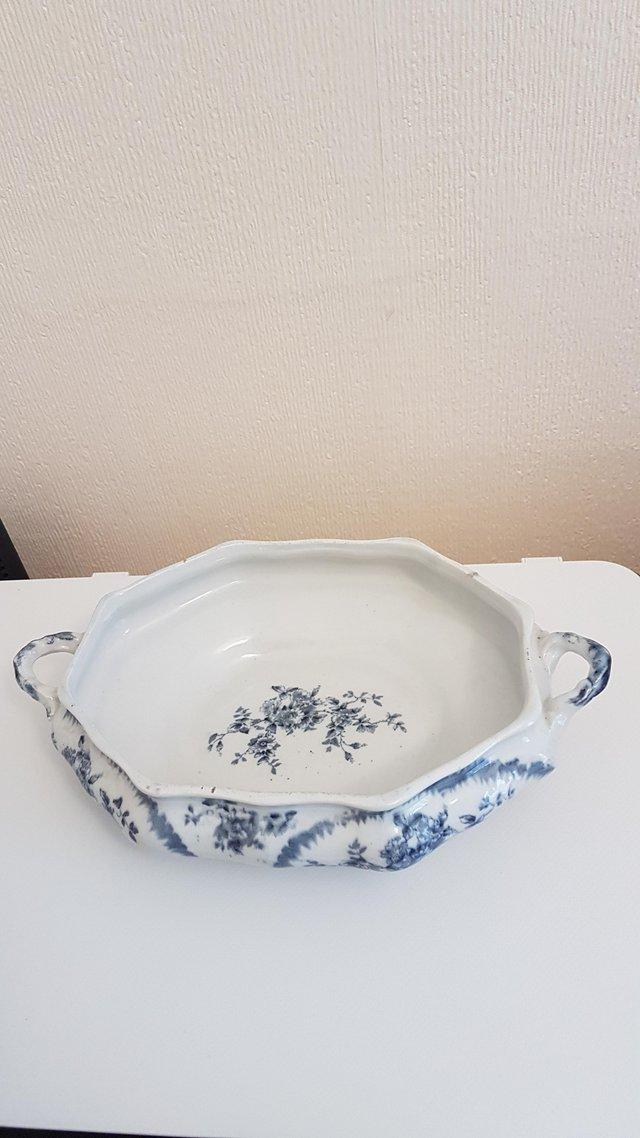Preview of the first image of Pitcairns vintage dish.