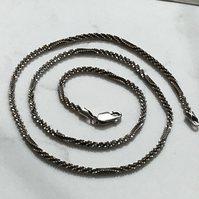 """Preview of the first image of Beautiful 750 white gold choker necklace 16 3/4"""" not scrap."""