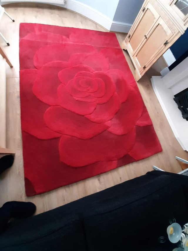 Preview of the first image of UTOPIA RED RUG.