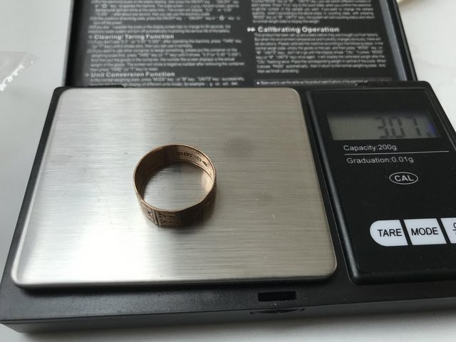 Image 2 of Victorian rose gold 9ct hallmark etched beautiful band ring