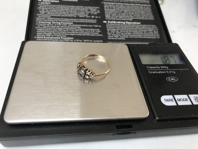 Image 2 of Corn flower blue/hint lilac stone diamonds 375 9ct gold ring