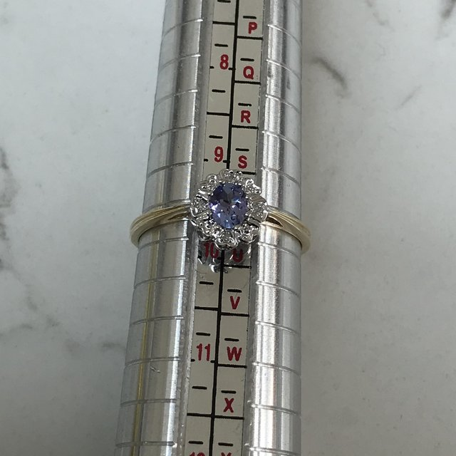 Image 3 of Corn flower blue/hint lilac stone diamonds 375 9ct gold ring
