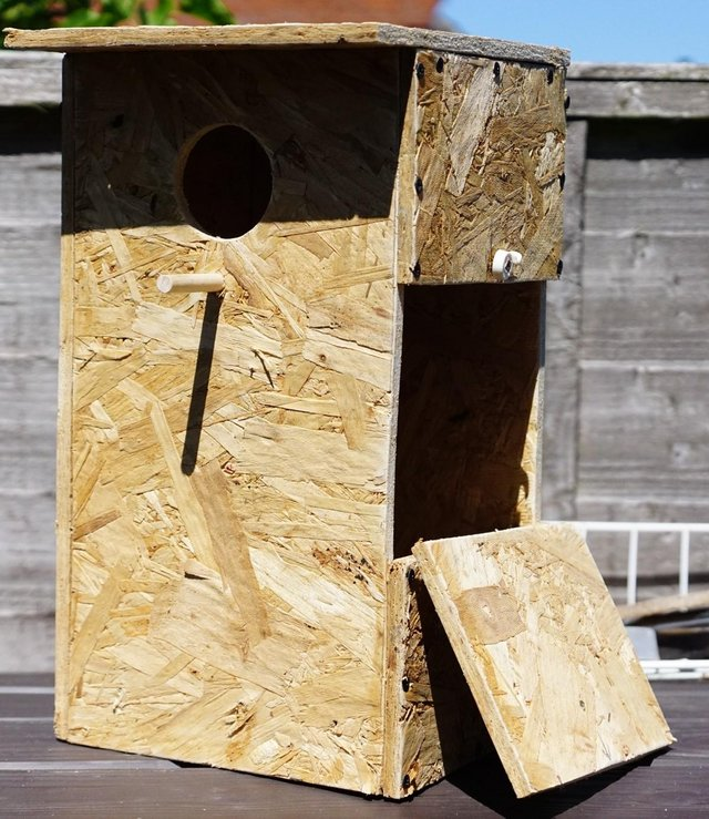 Preview of the first image of parakeet nest boxes.