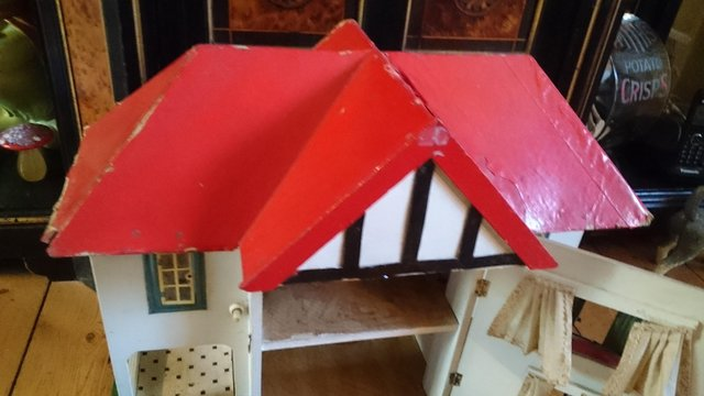 Preview of the first image of Original vintage light up dolls house.