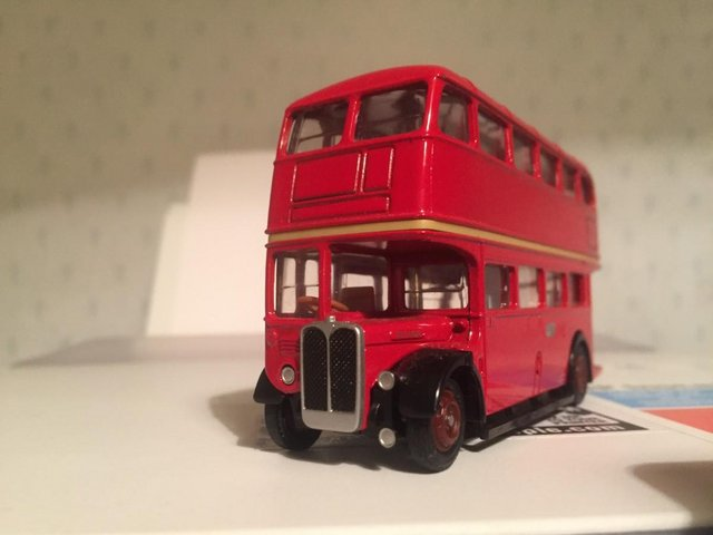 Preview of the first image of MODEL BUS: LONDON TRANSPORT AEC REGENT.