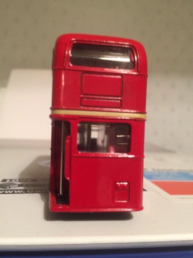 Image 2 of MODEL BUS: LONDON TRANSPORT AEC REGENT