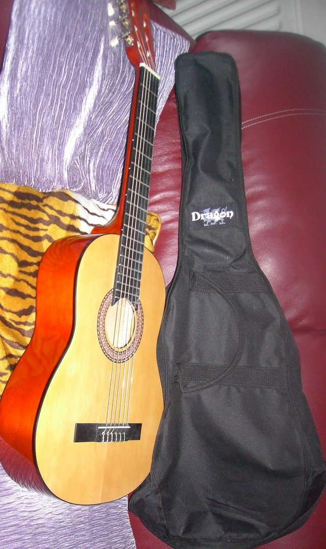 Image 2 of ACOUSTIC GUITAR