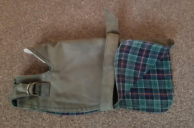 Image 3 of Small Country Mun Olive Green Waxed Dog Coat   BX14
