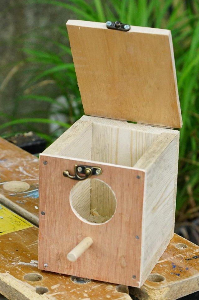 Preview of the first image of javar sparrow nest boxes.