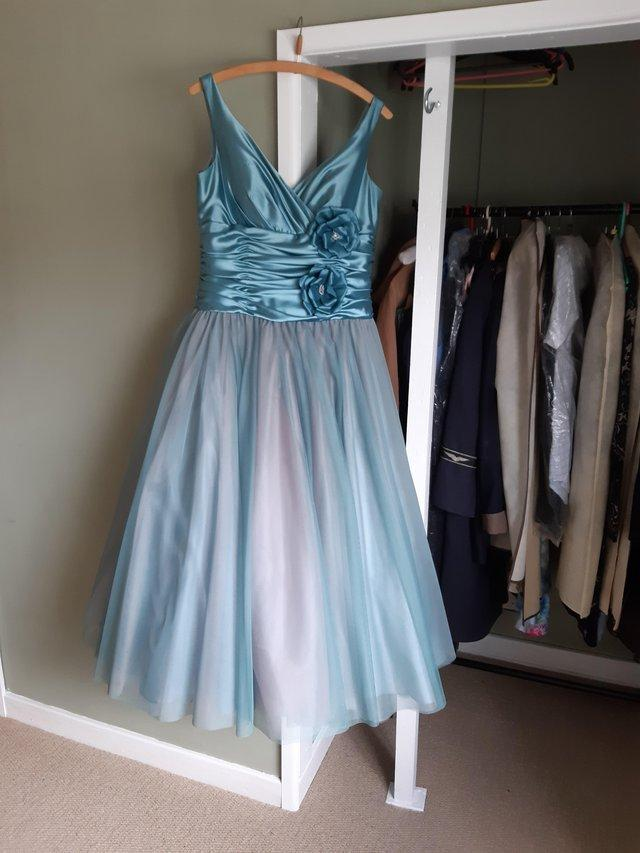 Image 4 of Gorgeous evening gown size 14 by Lou Lou