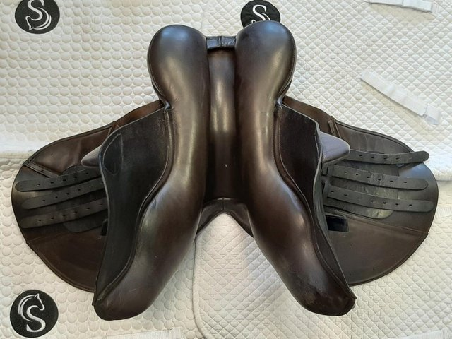 Image 6 of 3 DAY UK TRIAL Albion K2 Jump Saddle 17.5? W Brown