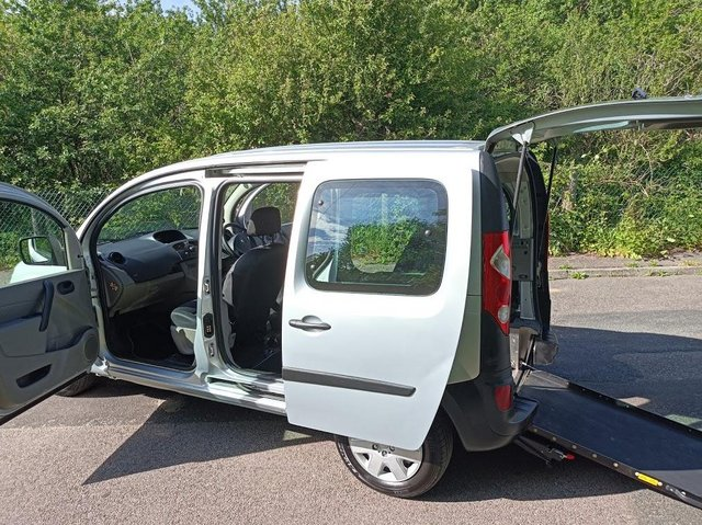 Image 3 of Wheelchair Access Automatic Petrol Mobility Renault Kangoo
