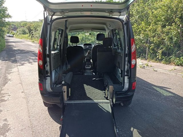 Image 6 of Wheelchair Access Automatic Petrol Mobility Renault Kangoo