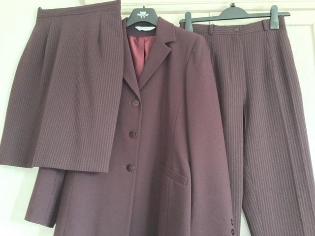 Preview of the first image of Ladies designer trouser, jacket & skirt suit.Size10.