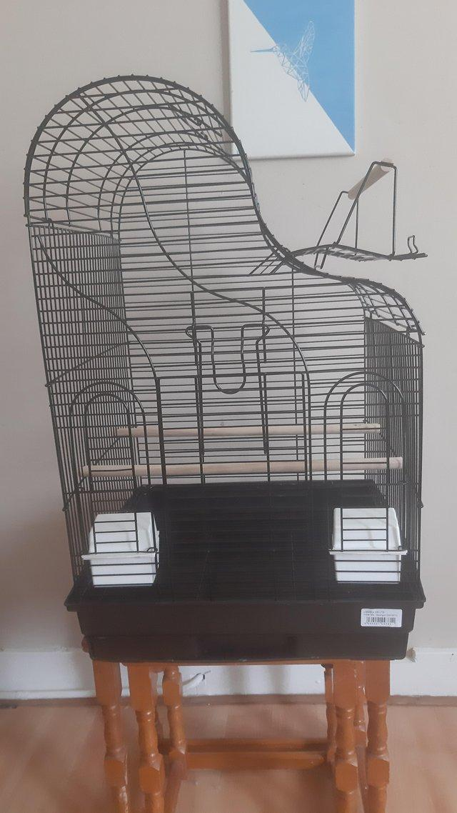 Image 3 of Bird cage with external play perch