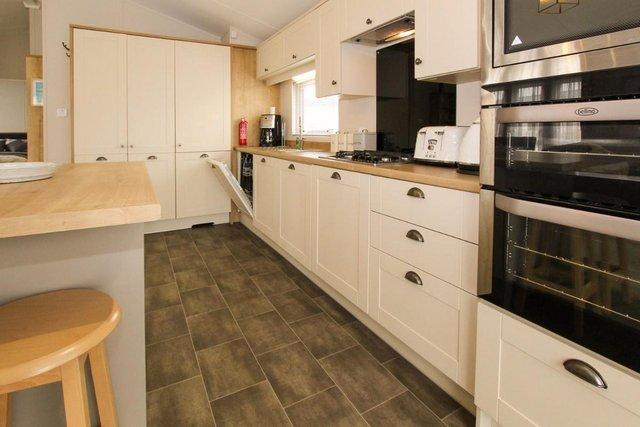 Image 15 of Willerby Pinehurst lodge for private sale at Camber Sands