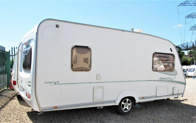 Image 3 of ABBEY FREESTYLE 500 2005 *MOTOR MOVER* 5 BERTH CARAVAN