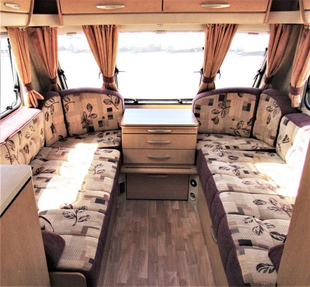 Image 4 of ABBEY FREESTYLE 500 2005 *MOTOR MOVER* 5 BERTH CARAVAN