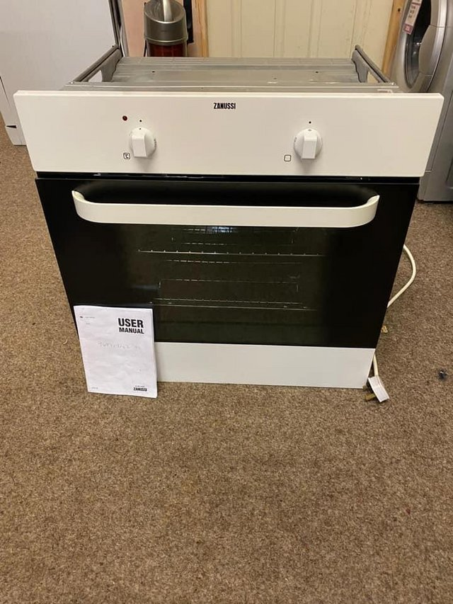 Image 2 of zanussi electric built in single oven