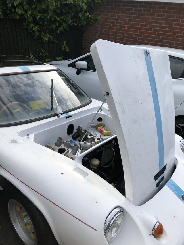 Preview of the first image of Rare lotus Europa 1969 ideal for medium restoration.