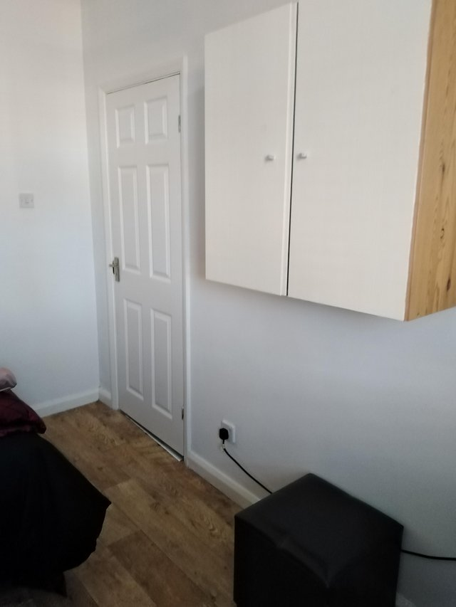 Image 3 of Room Double Bedsit with Kitchenette Newly Refurb £90 wk