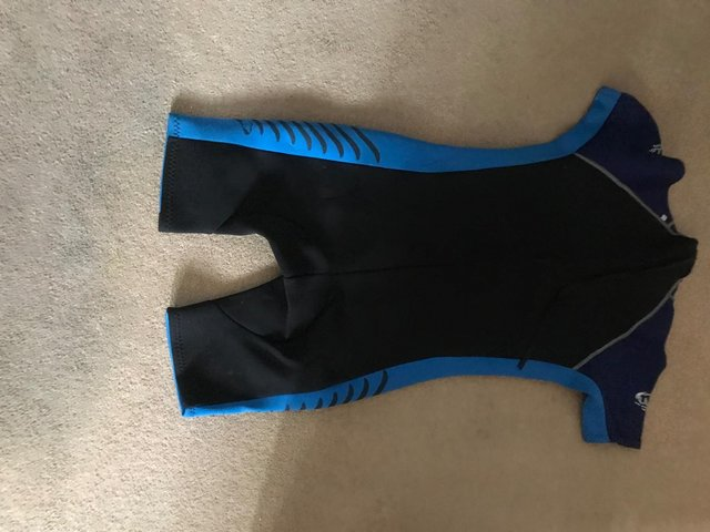Preview of the first image of Mens half wetsuit - size Large.