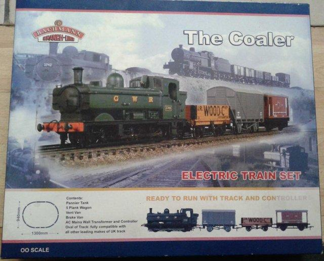 Preview of the first image of bachmann 00 the coaler train set.