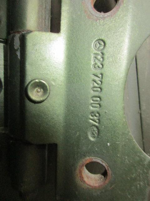 Preview of the first image of Left door for Mercedes w123 coupè.