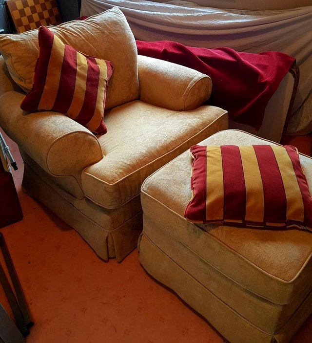 Image 3 of ARMCHAIR WITH MATCHING FOOT REST