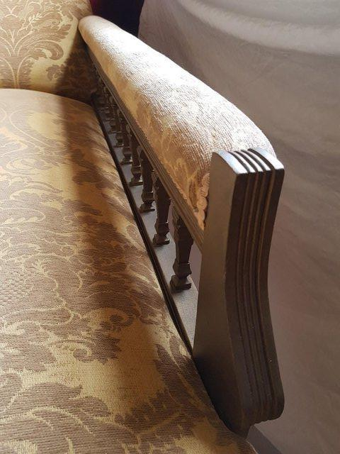 Image 3 of Chaise Longue : re-upholstered antique piece
