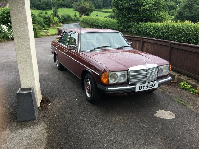 Image 2 of Mercedes-Benzw123 200 classic