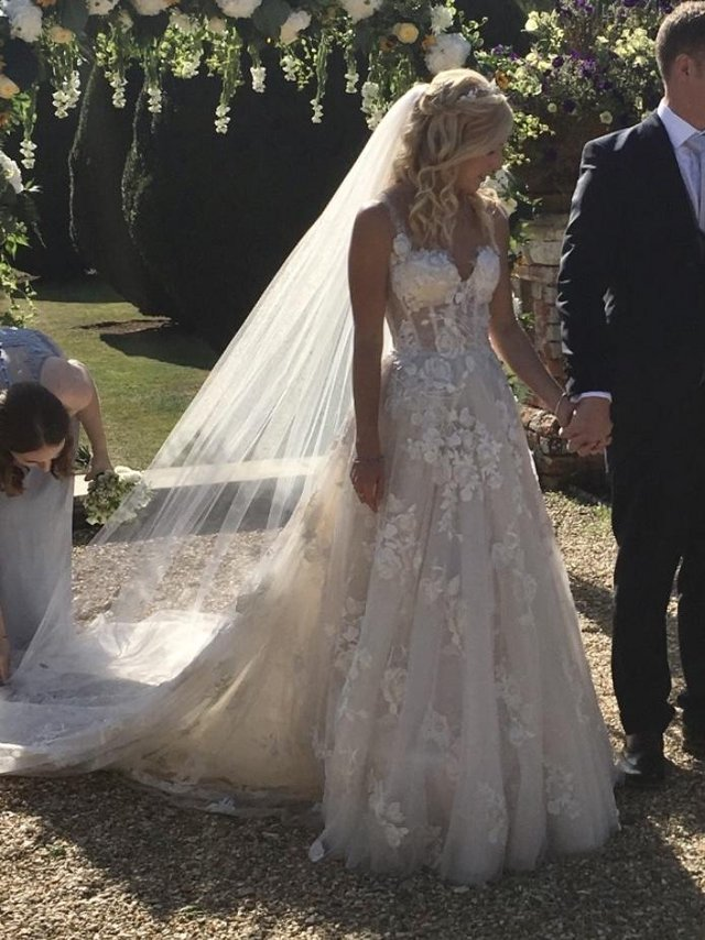 Image 4 of Wedding dress Galia Lahav G103 GALA