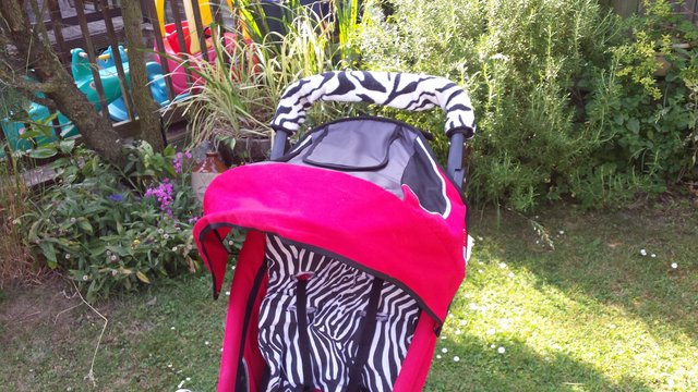 Image 3 of As New! Phil & Teds baby / Toddler buggy.