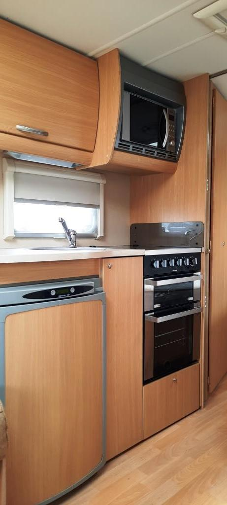 Image 6 of 2009 Swift Freestyle 620, 4 Berth Fixed Bed, Motor Movers