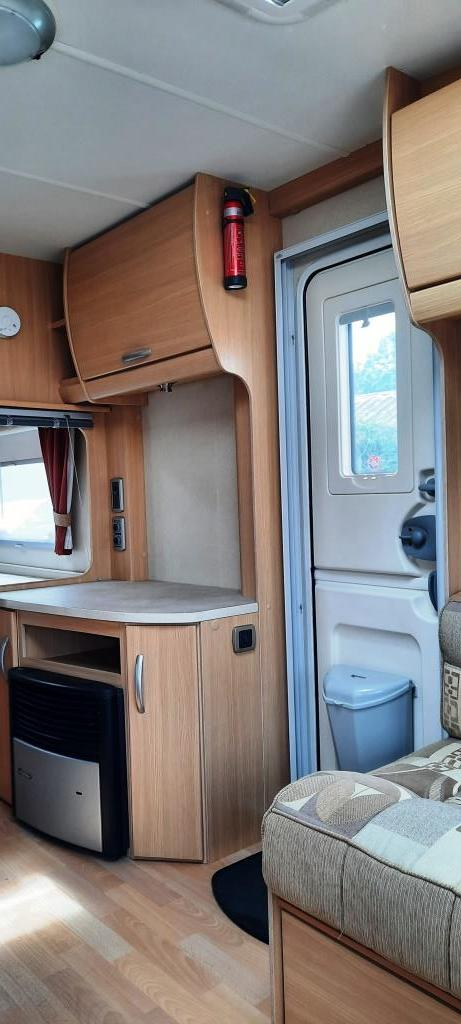 Image 10 of 2009 Swift Freestyle 620, 4 Berth Fixed Bed, Motor Movers