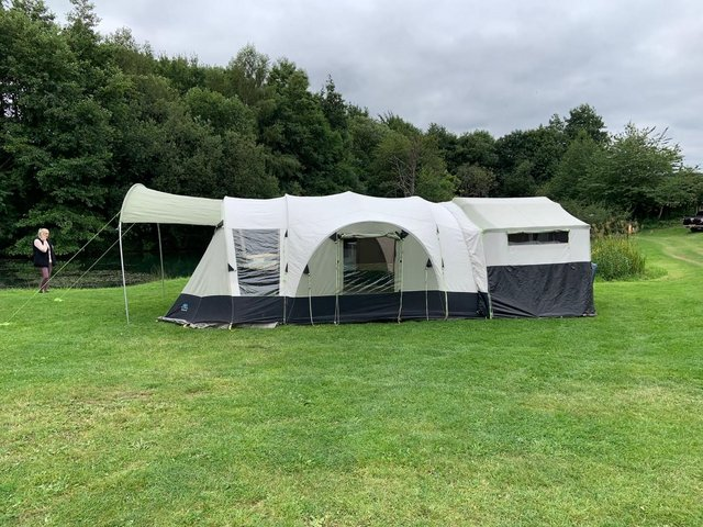 Preview of the first image of Sunncamp 550 SE trailer tent in immaculate condition.